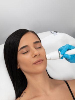 2+1 CADOU Rejuvenare faciala Legend Pro